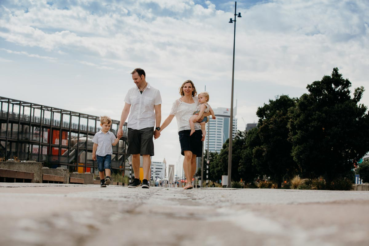 Family Portrait Wynyard Quarter Auckland Silo Park lifestyle photo session ideas sarah weber photography