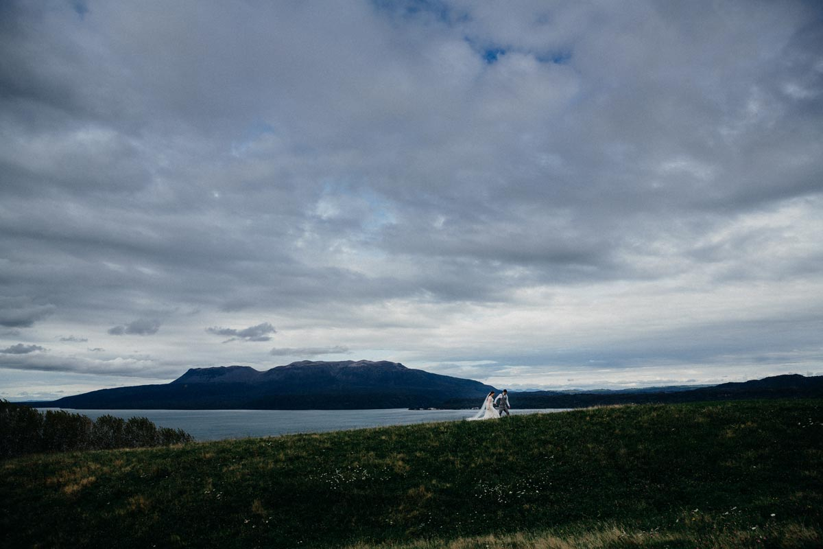 lake tarawera wedding photos black barn sarah weber photography