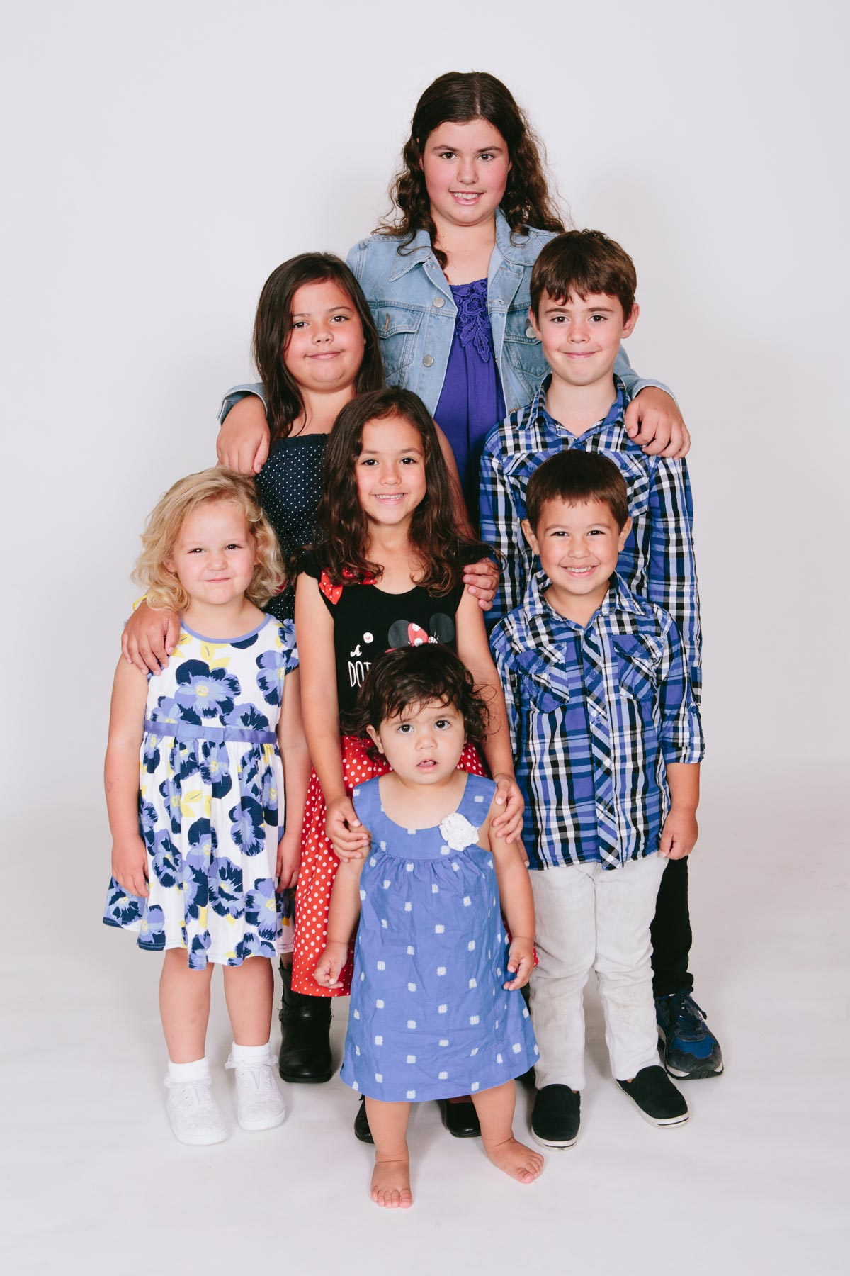studio photography of cousin children portrait during family photoshoot in west harbour auckland by sarah weber photography