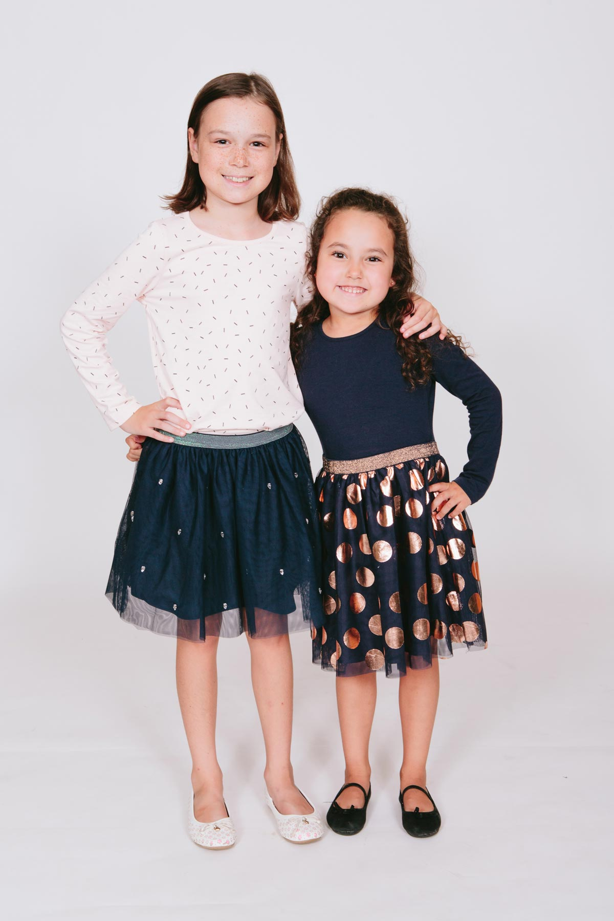 studio photography of sibling children portrait during family photoshoot in west harbour auckland by sarah weber photography