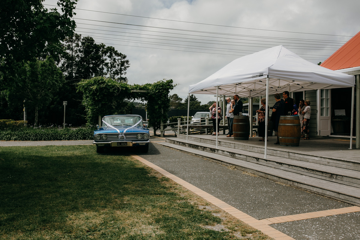 Coatesville settlers hall auckland grooms wedding cars photos by sarah weber photography