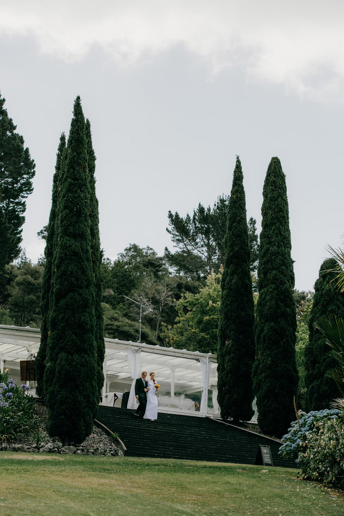 garden wedding ceremony bridgewater country estate venue in Kaukapakapa, Auckland photo by sarah weber photography