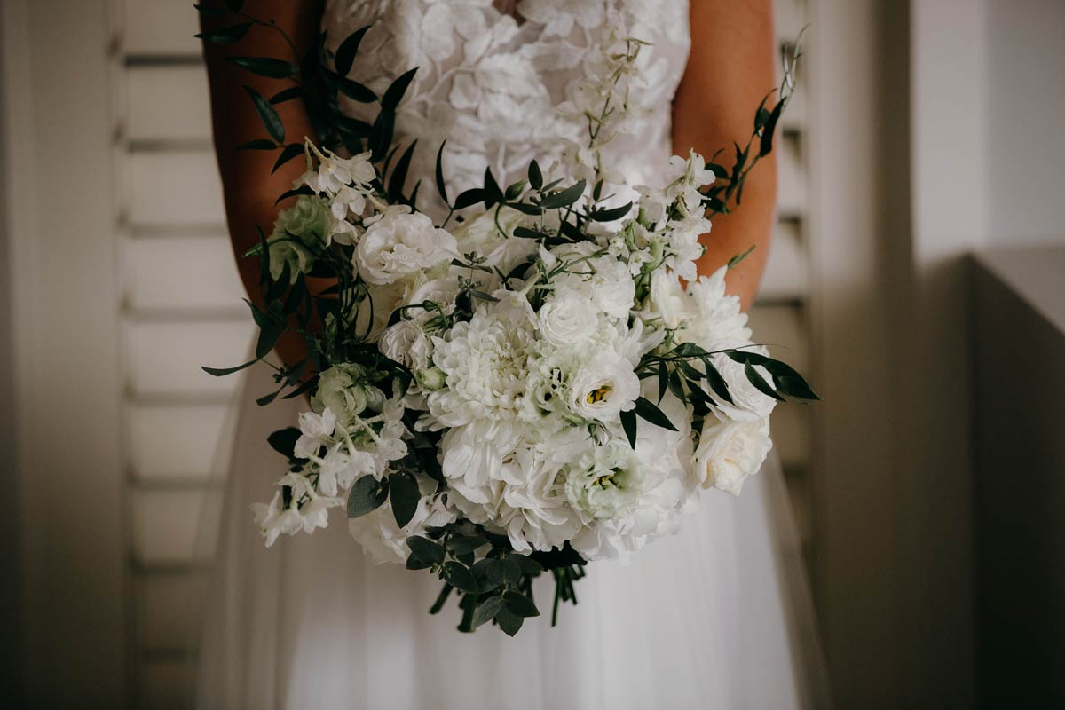 bridal bouquet at the dunes, omaha lodge before the stables matakana wedding photos by sarah weber photography